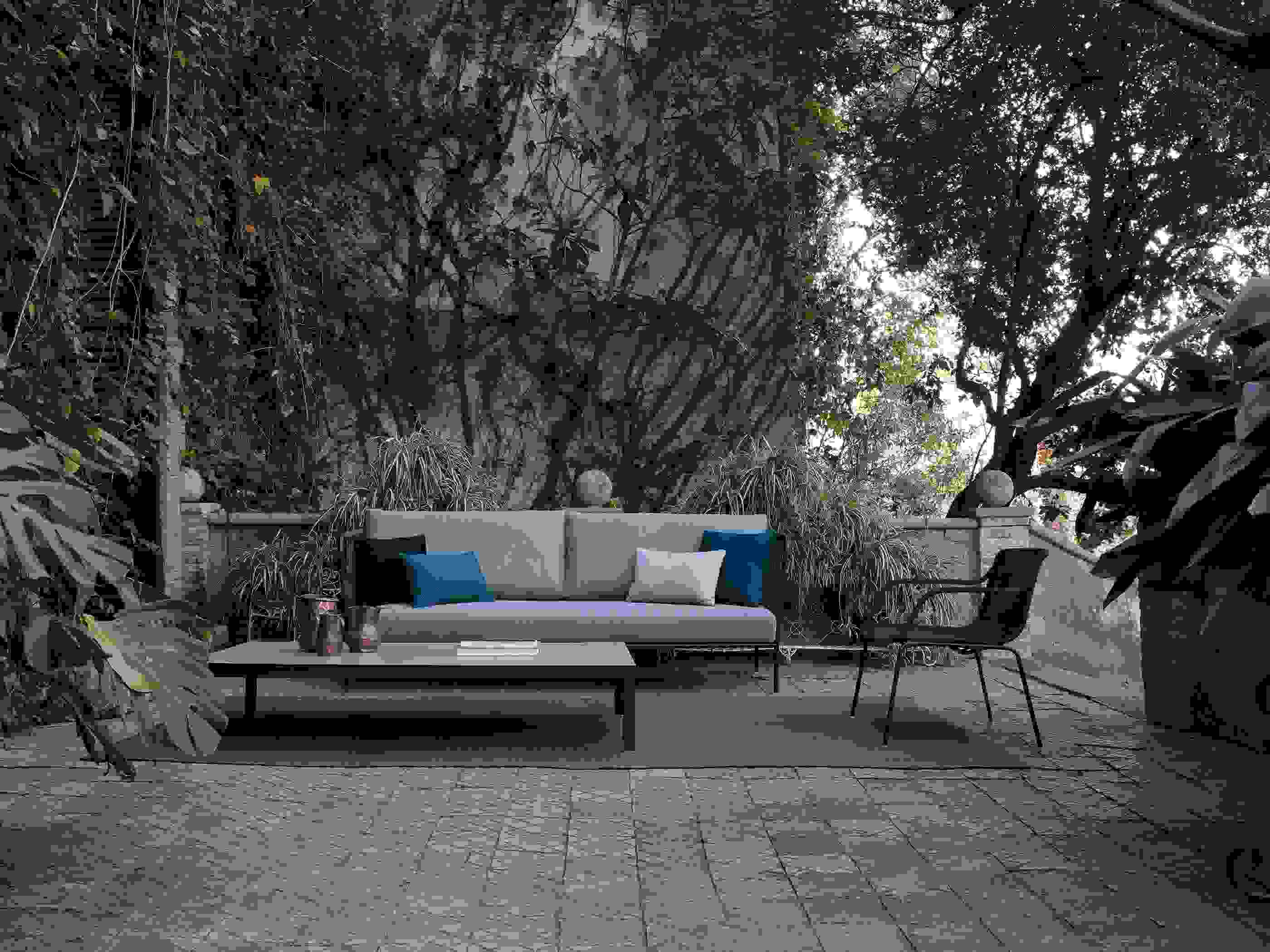 58_59-expormim-nido-outdoor-seating-collection.jpg