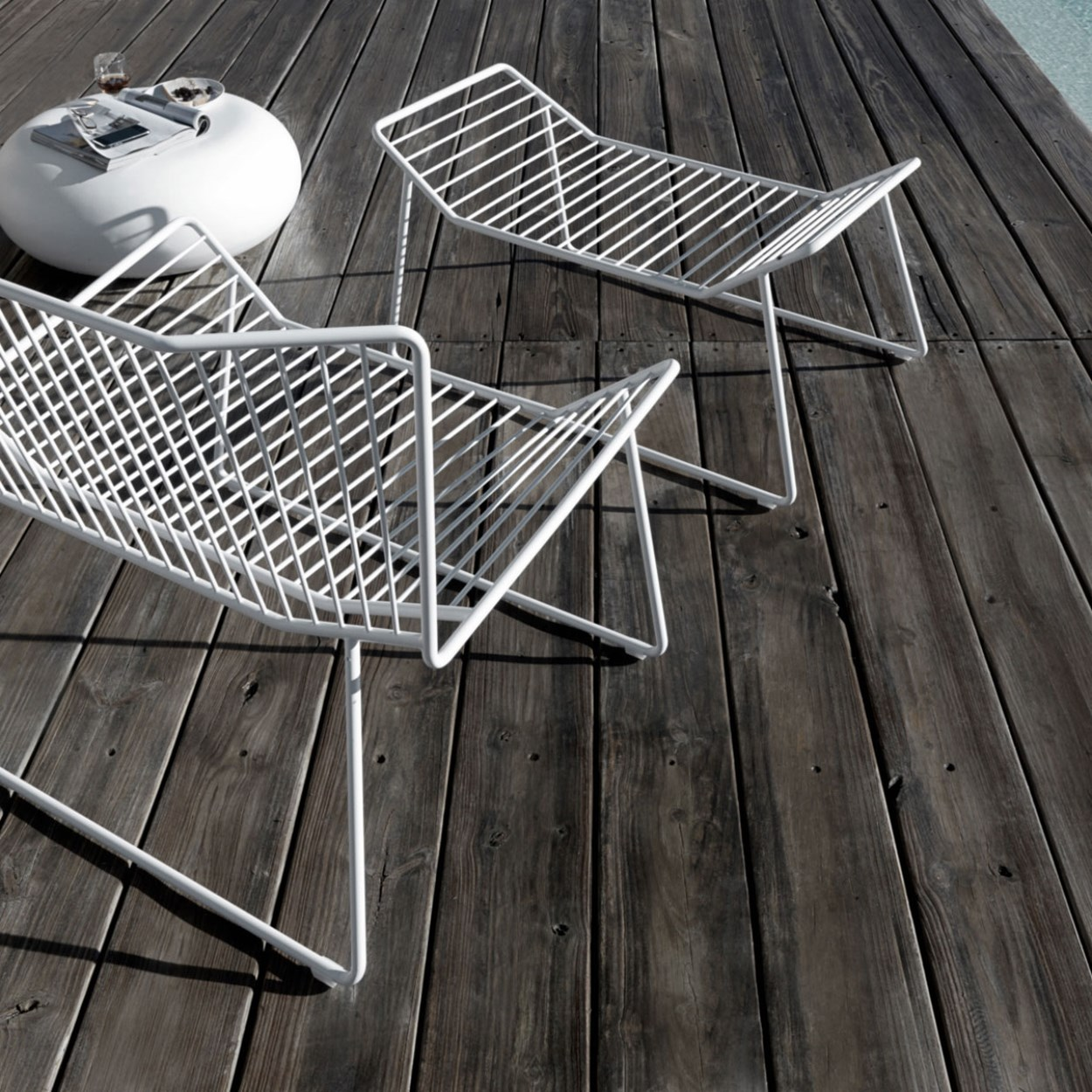 77-expormim-out_line-outdoor-armchair-footstool.jpg