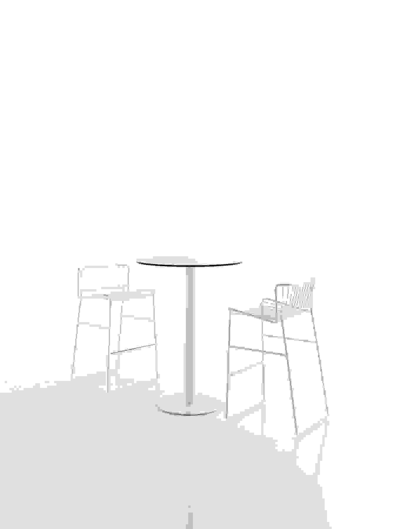 86-expormim-out_line-outdoor-bar-stools.jpg