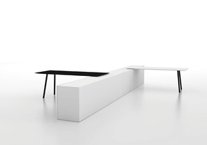 VICCARBE-MAARTEN-Table-Victor Carrasco-table for office.jpg