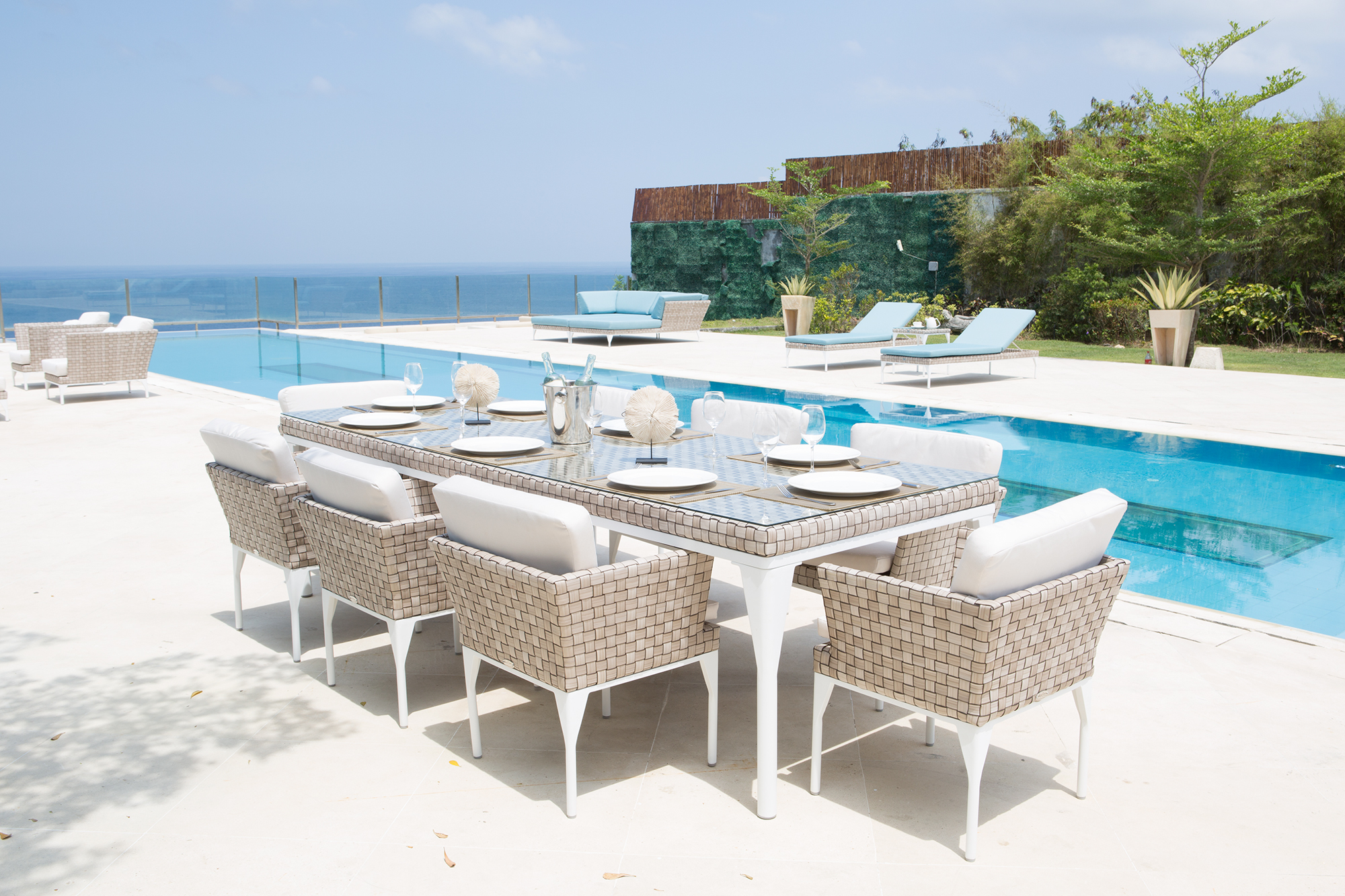 Brafta collection outdoor dining set furniture from spain for Outdoor furniture spain