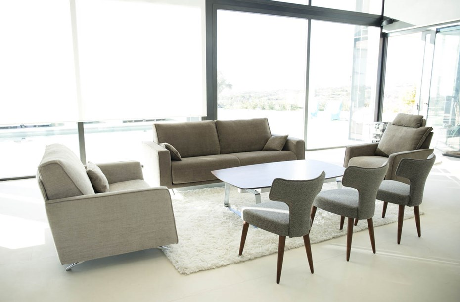Contemporary elegance & modern functionality: BOSTON sofa and armchairs, AdapTable and Mili & Lalo chairs