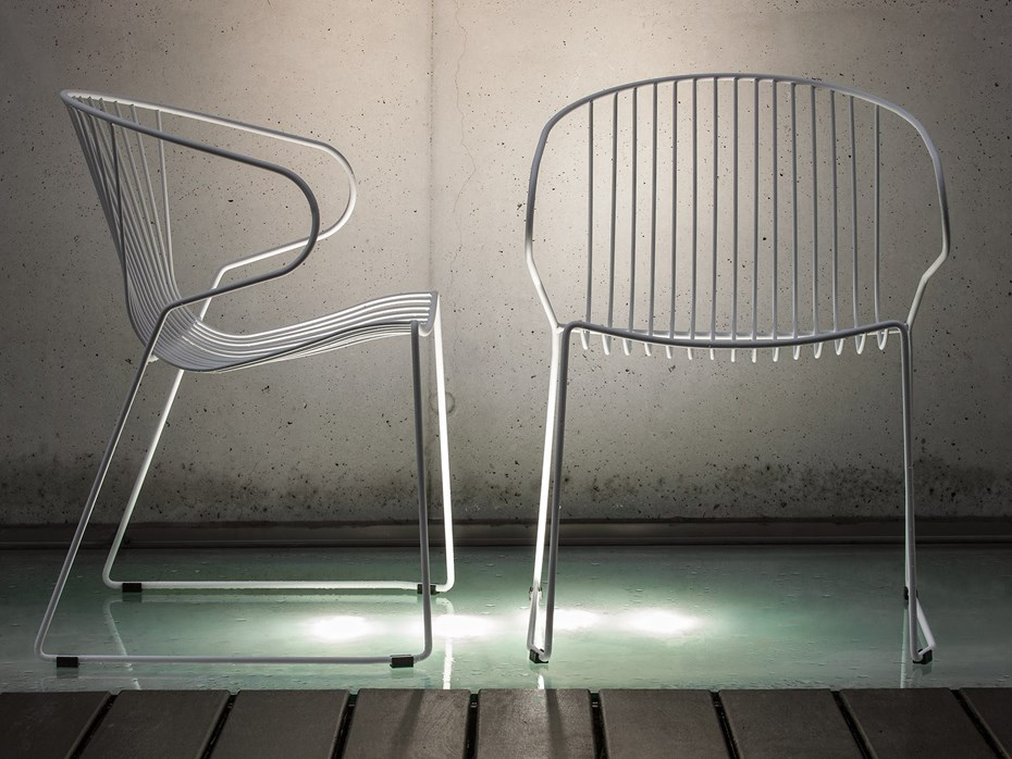 A light, refined design for indoor and outdoor use: the BOLONIA chair, iSi mar