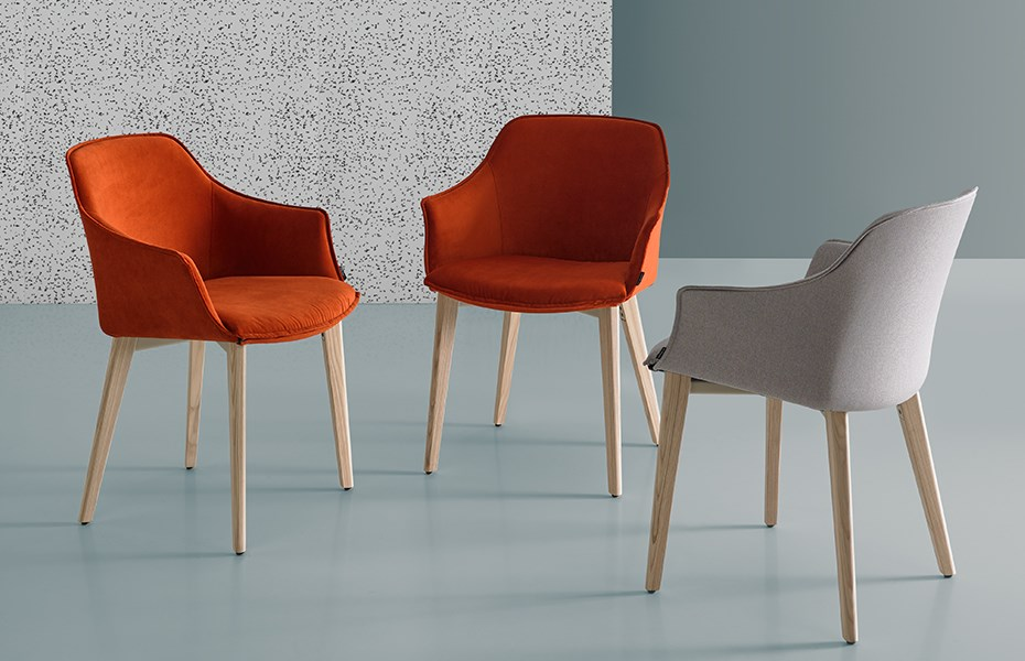Charming & comfortable: the KEDUA chairs, available in different colour options