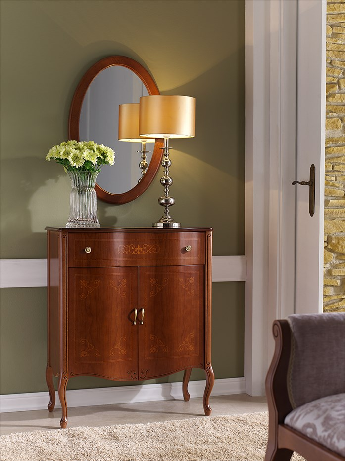 Create a charming space in your foyer: shoe cabinet model 712.074 and mirror model 382.000
