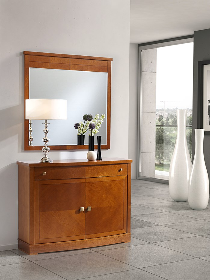 Contemporary hallway furniture for pleasant yet comfortable ambiences: shoe cabinet model 109.120 and mirror model 323.000