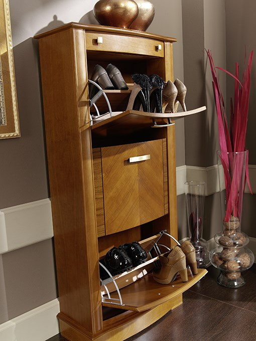 The best way to keep the hallway elegant and organized