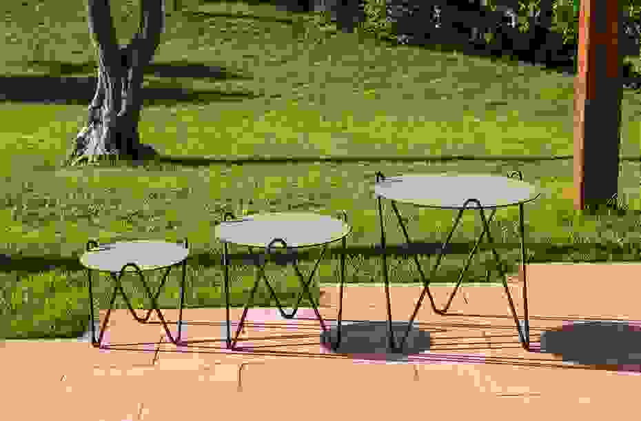 calma_furniture_outdoor_circus_furniture_auxiliar_table.jpg