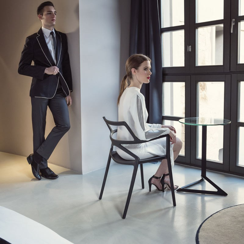 DELTA chair & table by Jorge Pensi for VONDOM