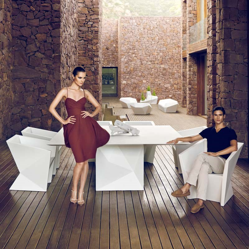 FAZ ourtdoor furniture by Ramón Esteve: create stylish dining spaces in the outdoors