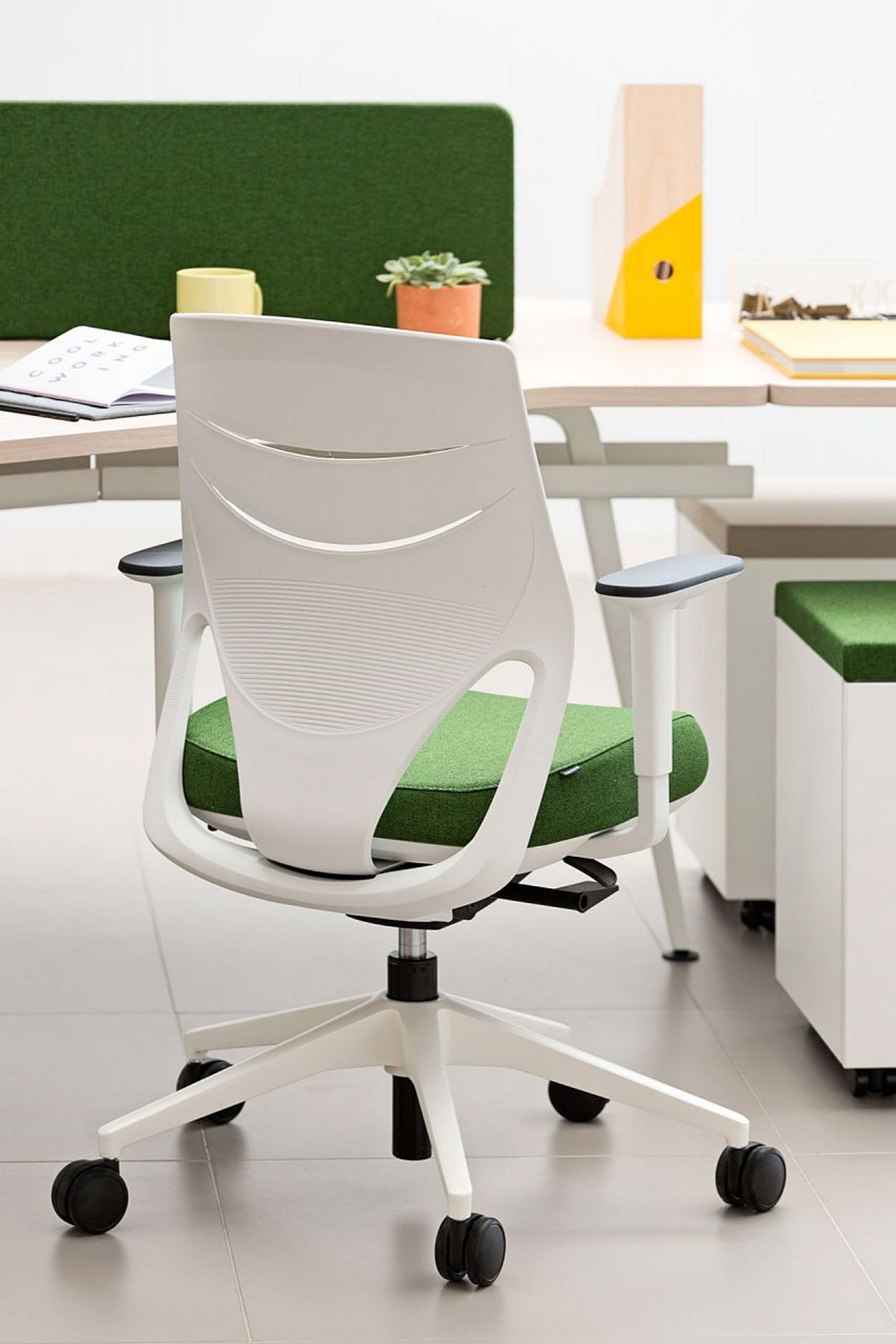 actiu-efit-office-chair-7.jpg