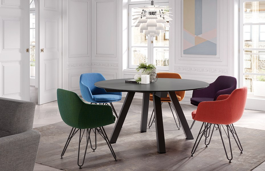 dressy-lap-chairs-duero-table