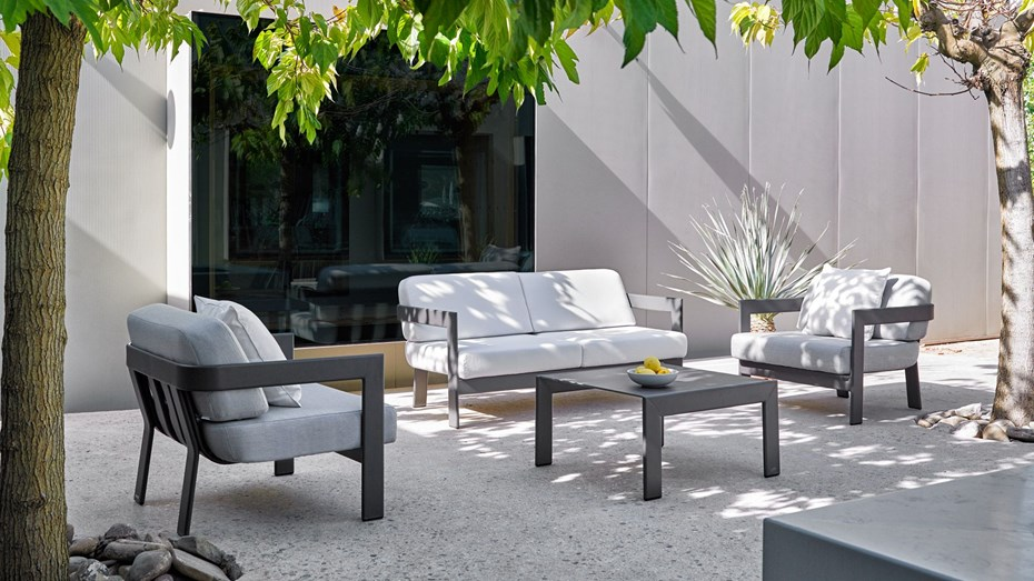 point-tub-outdoor-lounge-collection