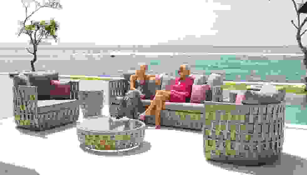 skylin-design-strips-outdoor-furniture.jpg