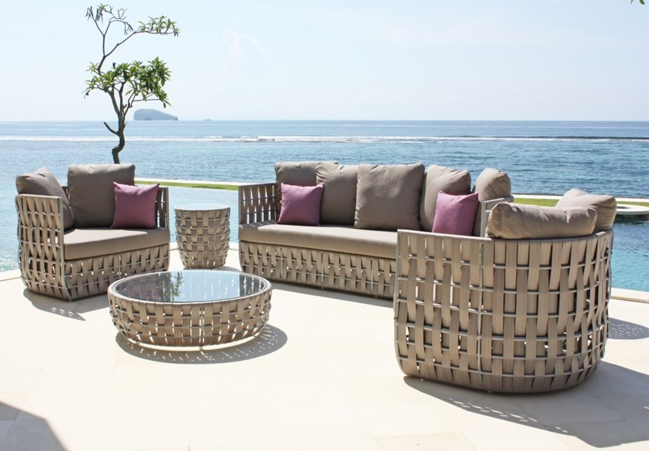 skyline-design-strips-outdoor-lounge-collection