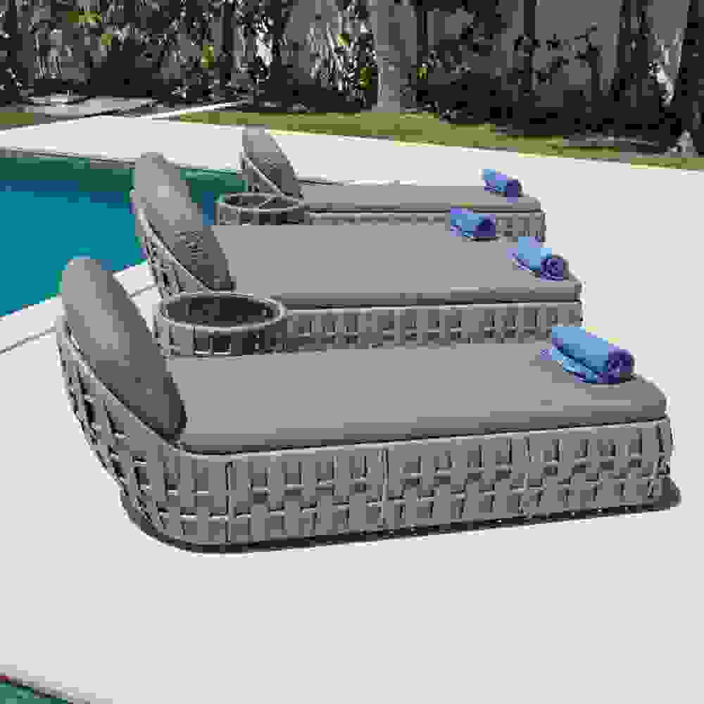 skyline-strips-loungers.jpg