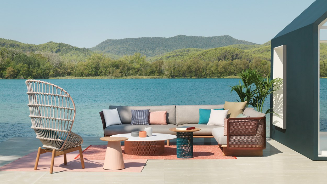 kettal-mesh-outdoor-lounge-furniture-5.jpg