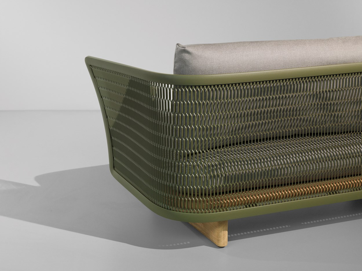 kettal-mesh-outdoor-sofa-3.jpg
