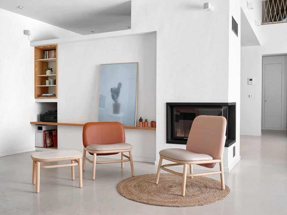 lana-lounge-chairs-and-side-table