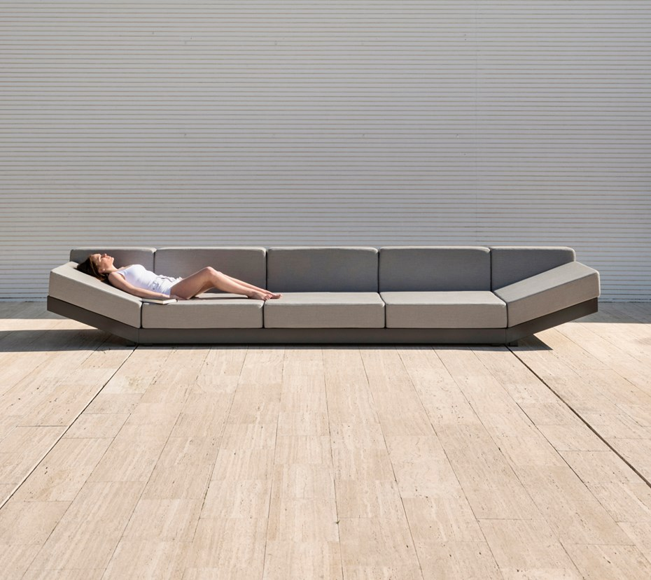 calma-alat-outdoor-sofa
