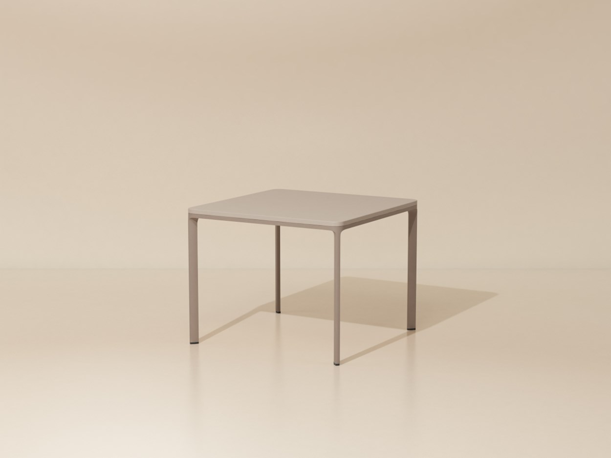 kettal-park life-low-dining-table1.jpg