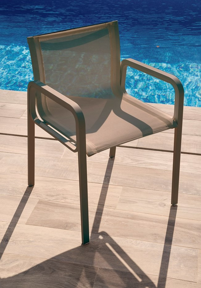 calma-due-outdoor-chair-taupe