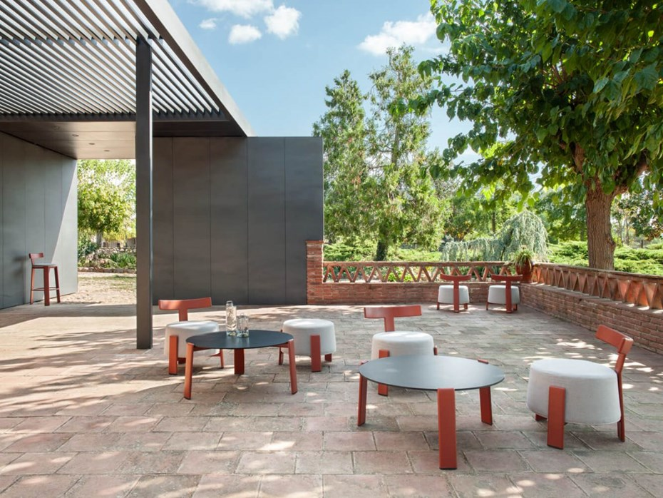 point-t-outdoor-furniture-collection