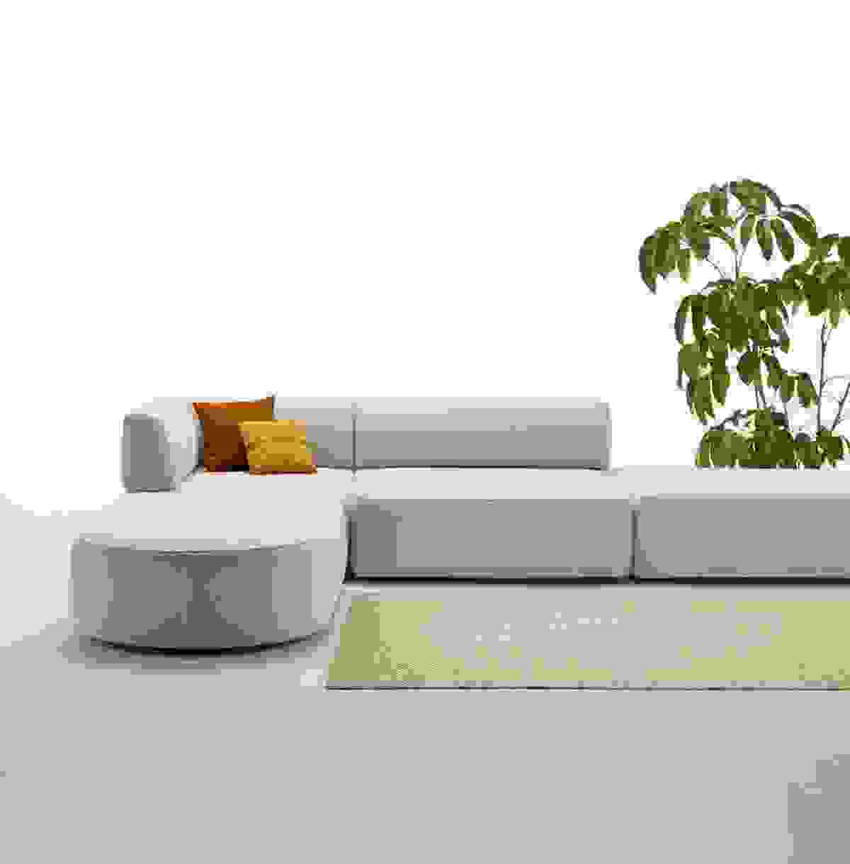 inclass-entropy-sofa-02.jpg