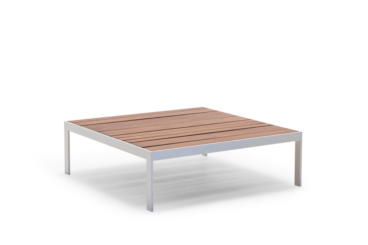AndreuWorld_Sandteaktable_1.jpg
