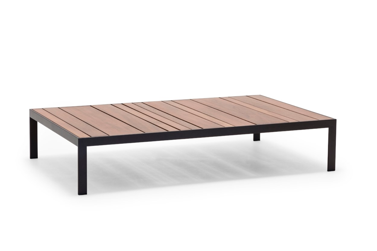 AndreuWorld_Sandteaktable_2.jpg