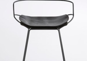 jovervalls-hug-counter-ARMSTOOL - Steel BLACKSMOKE + Leather BLACK -1_opt.jpg