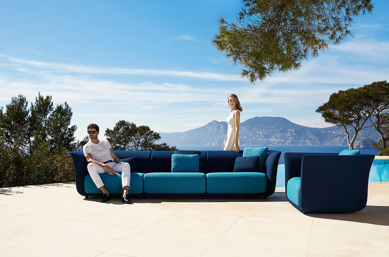 Vondom-Suave-Collection-Sofa-by-Marcel-Wanders-1.jpg