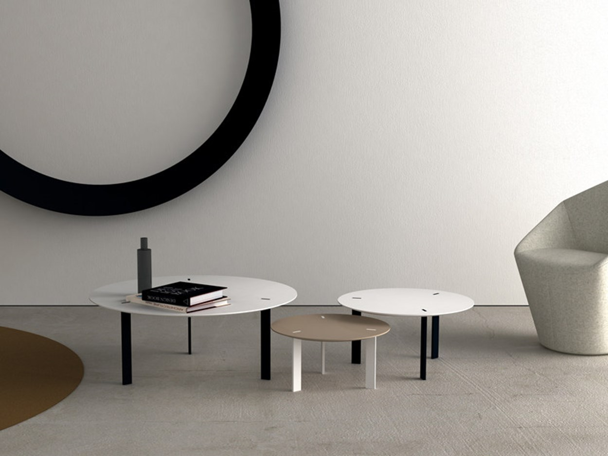 viccarbe-ryutaro-side-tables-4.jpg