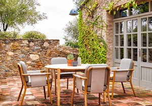 point-hamp-outdoor-dining-furniture.jpg