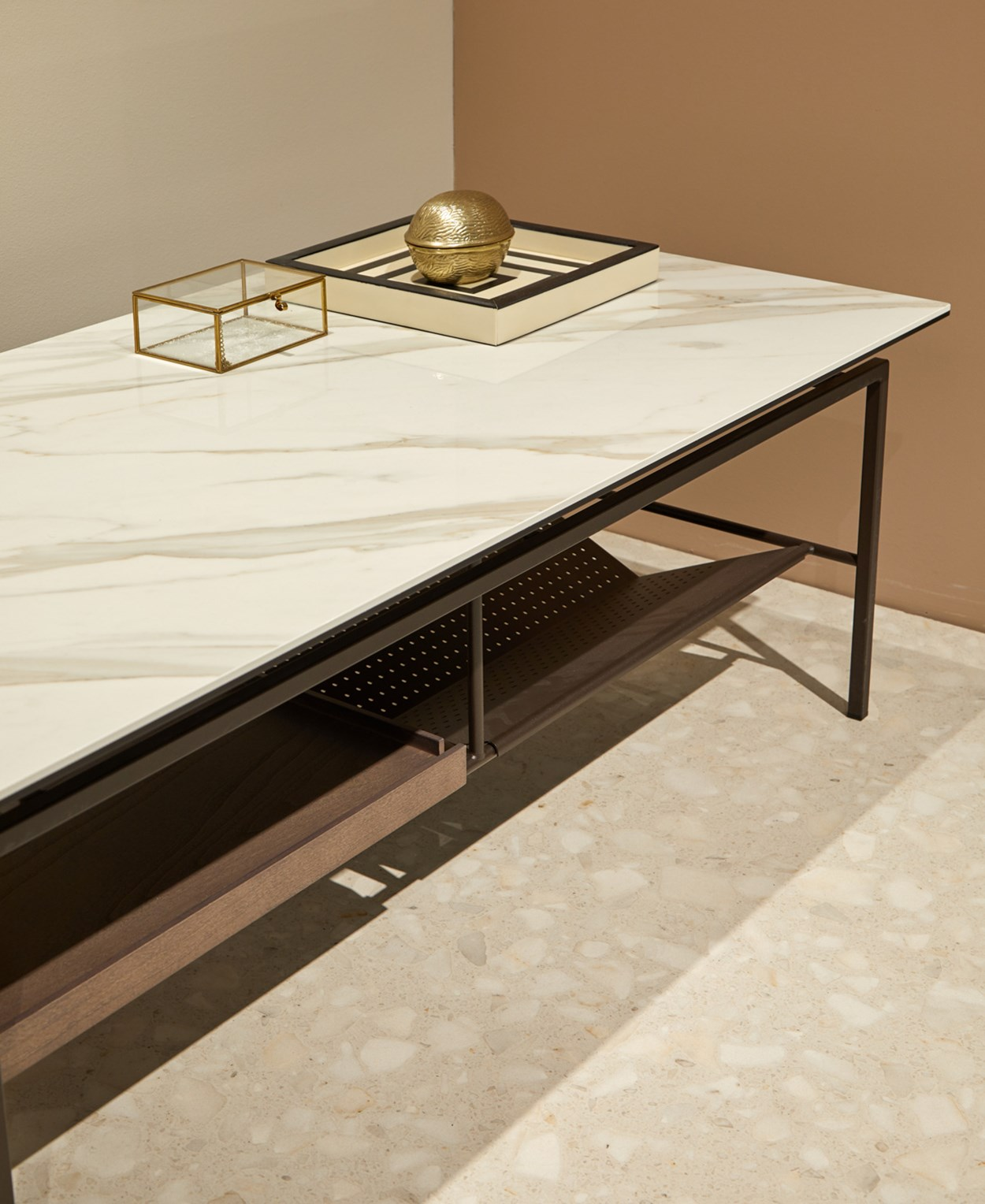 Dressy-Simone-coffee-table-02.jpg