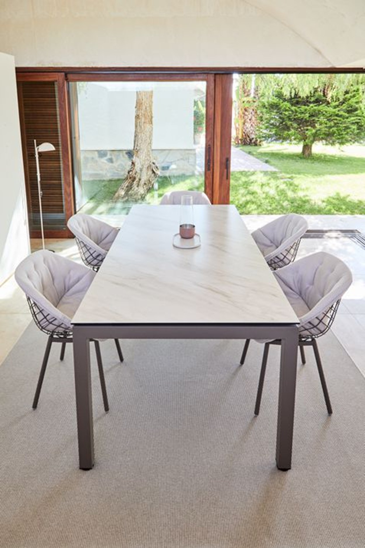 musola-salvia-dining-table-01.jpg
