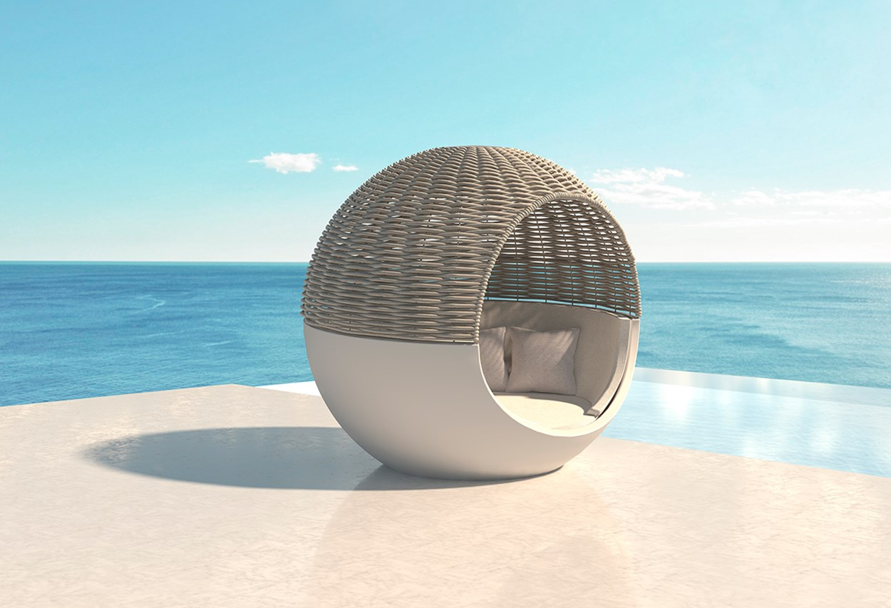 vondom-moon-daybed-by-ramon-esteve.jpg