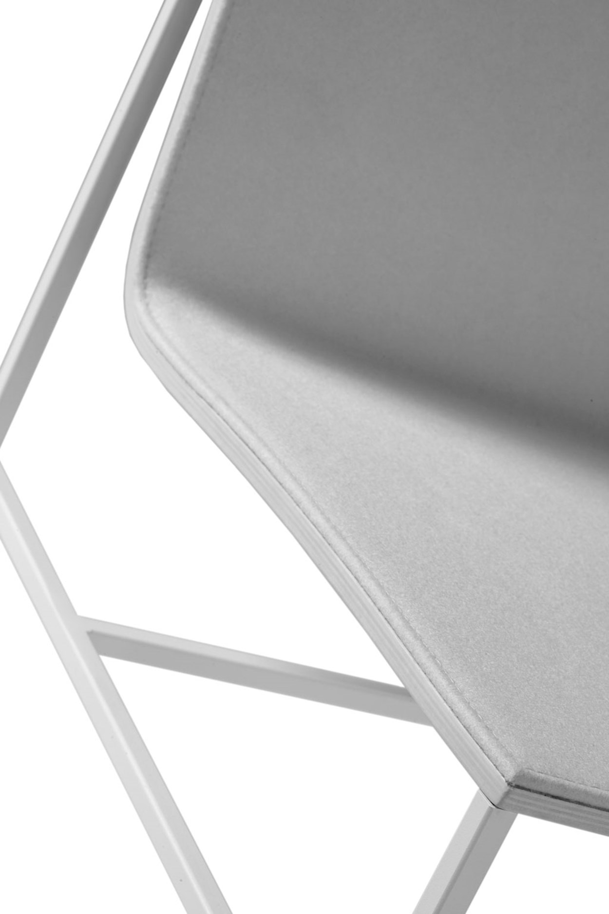 capdell-a-collection-chair-04.jpg