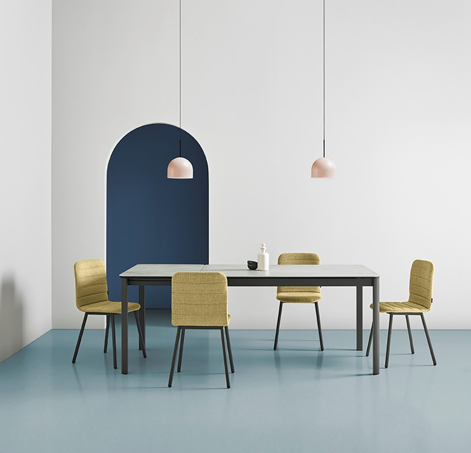 mobliberica-terra-table-chairs