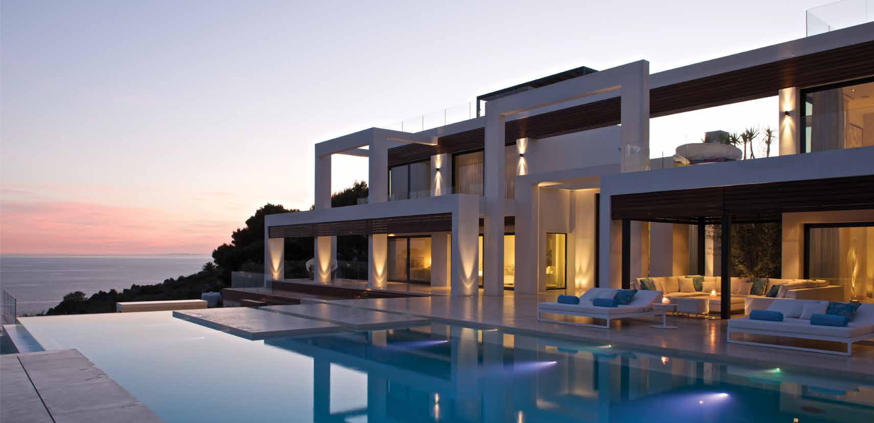 Casades S Furnishes The Impressive Andratx House In Mallorca  # Rugiano Muebles