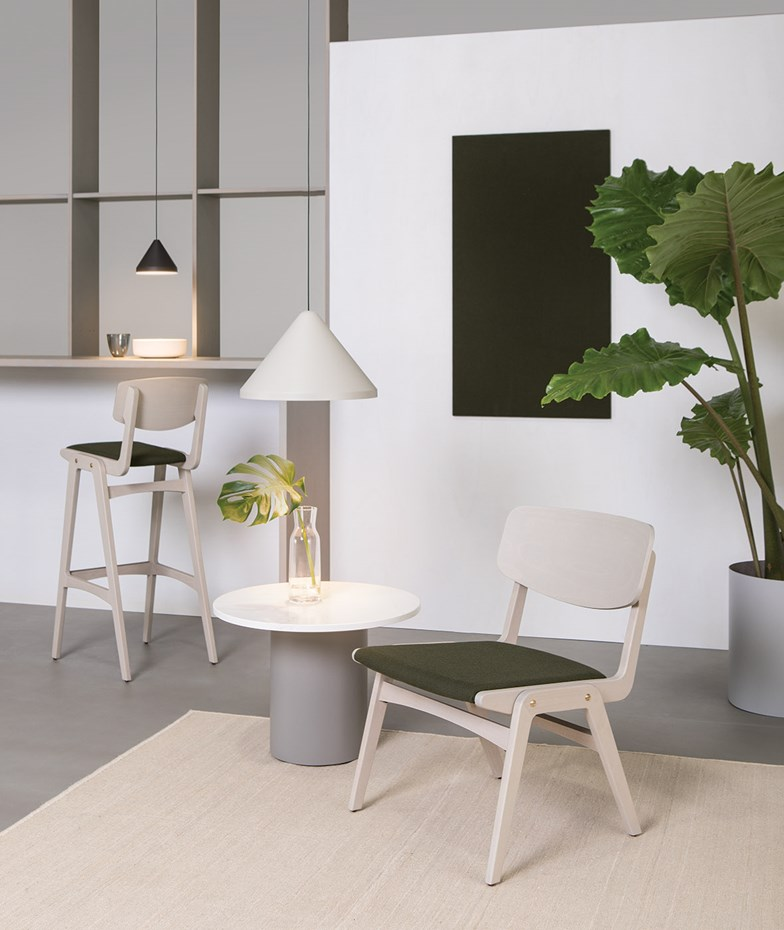verges-glowr-lounge-armchair