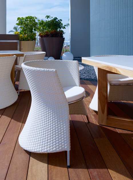Marilyn X armchairs by Gabriel Teixidó for POINT complete the elegant atmosphere of outdoor and indoor restaurants.
