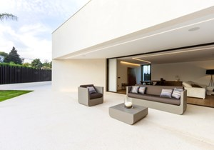 vondom-private-house-project-las-cumbres-valencia-by-chiralt-arquitectos  (13).jpg