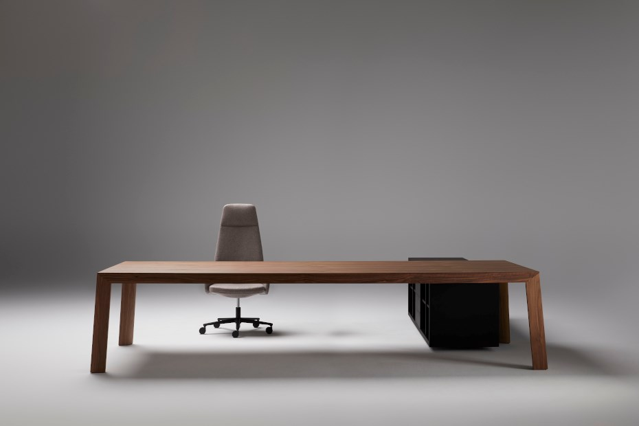 ofifran-tola-executive-table