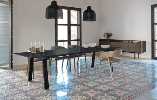 PUNT, MITIS table, MAVA chairs