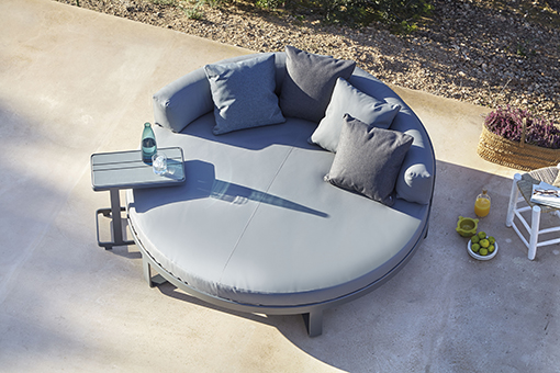 FLAT daybed by Mario Ruiz for GANDIA BLASCO