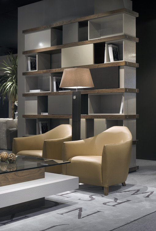 DETROIT bookcase and TUPÉ armchairs