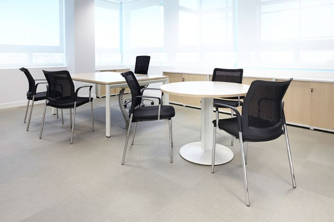 Iberia offices in madrid furniture from spain for Oficinas iberia