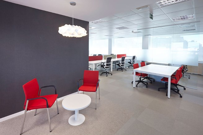 Iberia offices in madrid furniture from spain for Oficinas de iberia en madrid